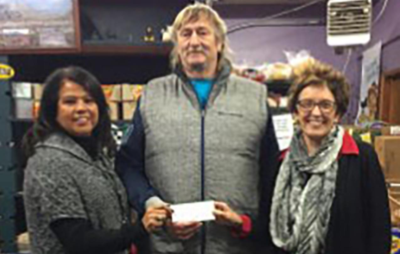 Local 1463 foodbank donation