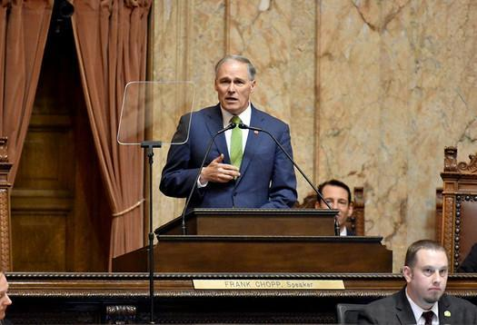 Governor Jay Inslee speaking at podium (Office of the Governor/Flickr)